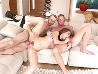 Jules Jordan and Riley Reid are having a steamy threesome that includes plenty of ass fuck