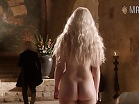 Sexy kicker of asses Khaleesi flashing her plump booty in a hot GoT scene