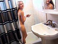 Bathing blonde blows boyfriend